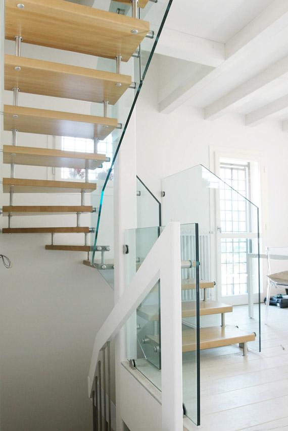 realizzazione scale in vetro, legno e acciaio Lineaspazio in zona Verona