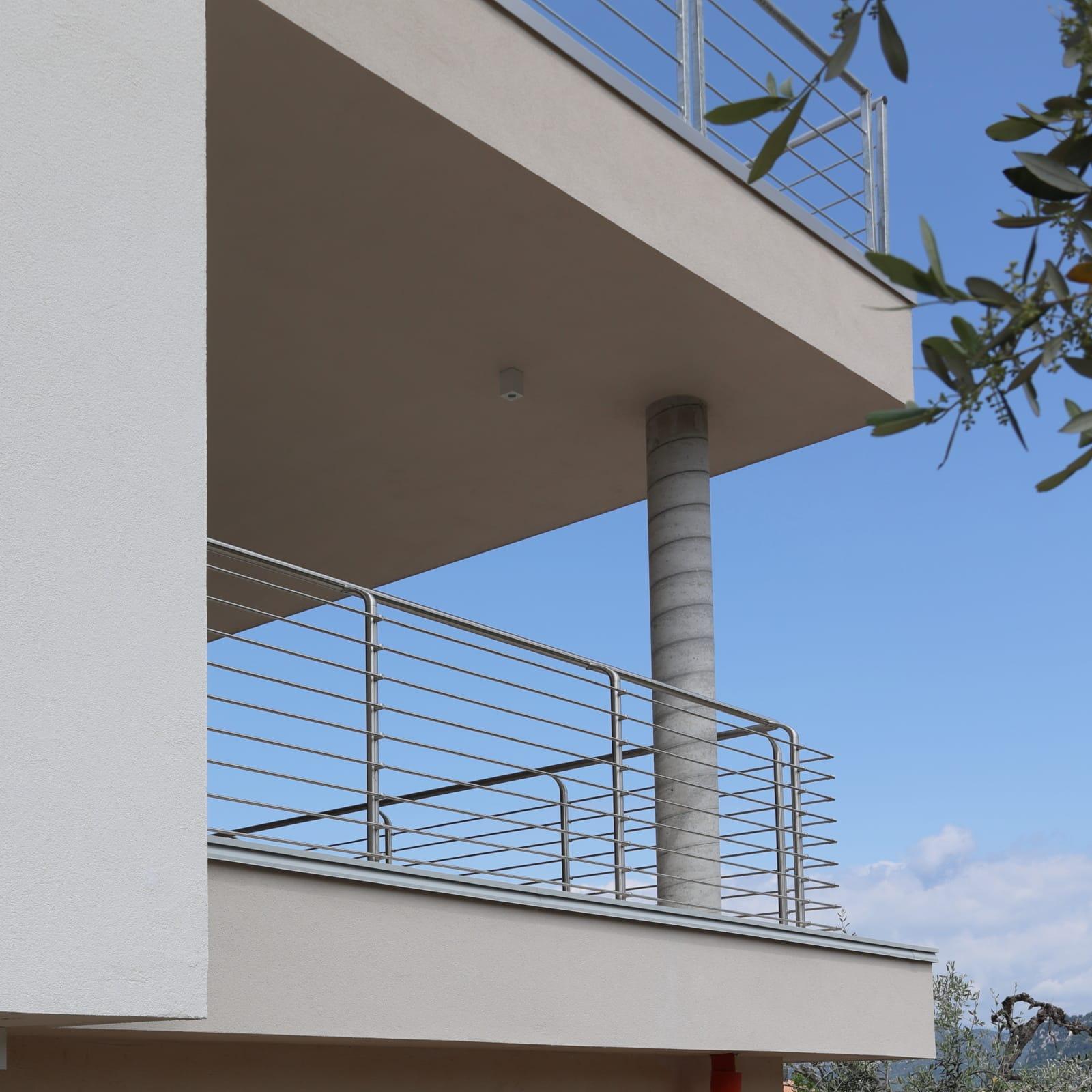 realizzazione-parapetti-in-alluminio-lineaspazio-verona-vicenza